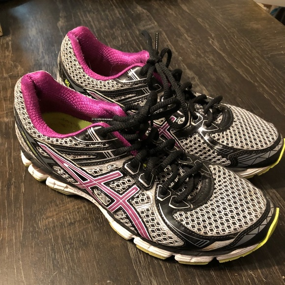Asics Shoes - ASICS GT-2000 Womens running shoes size 9.5